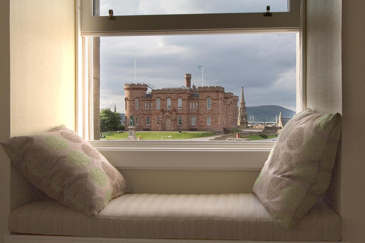 Stone villa for up to 9 close to River Ness in Inverness, Scotland: Dunvegan-Inverness